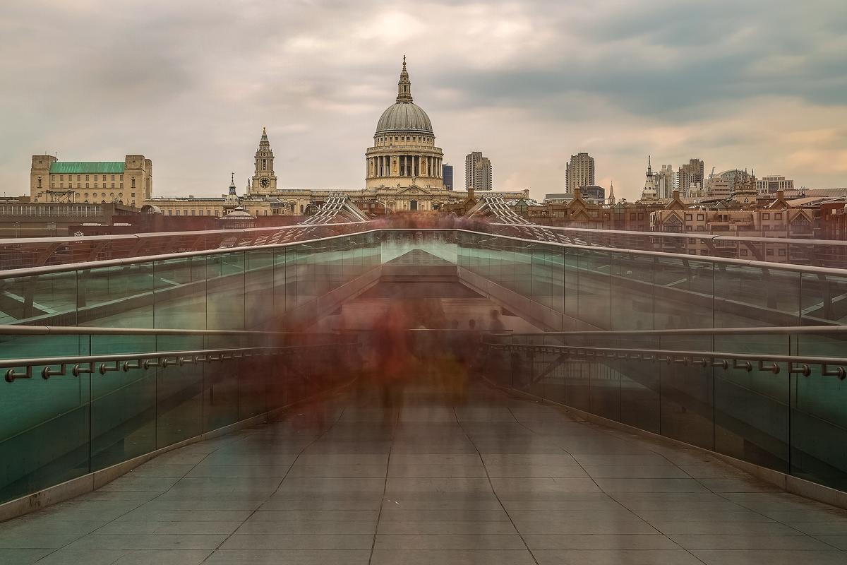 Millenium Bridge Ghosts – London